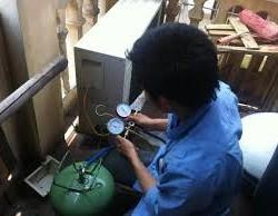 Dịch vụ vệ sinh máy lạnh tại nhà trọn gói bao sạc Gas giá rẻ