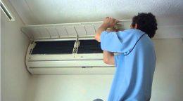 Tại sao máy lạnh thổi ra khí có mùi hôi? Cách khử mùi hôi máy lạnh hiệu quả nhất